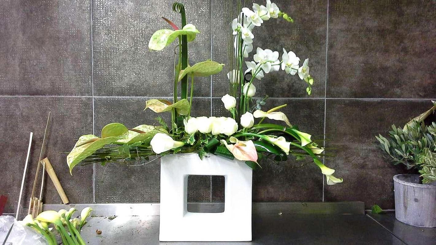 composition floral moderne fashion designs. Black Bedroom Furniture Sets. Home Design Ideas